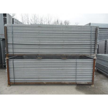 Rack pour clôtures grillagées